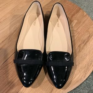 Nine West black leather and patent flats, sz 10